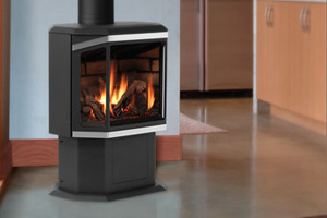 IronStrike Epic™ Direct Vent Contemporary Gas Stove